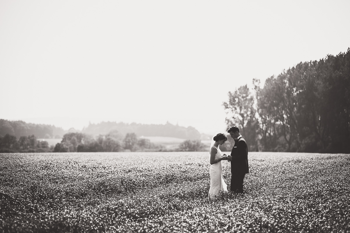 Grittenham Barn Wedding Photography   Hannah & Chris 32 The lovely couple 1
