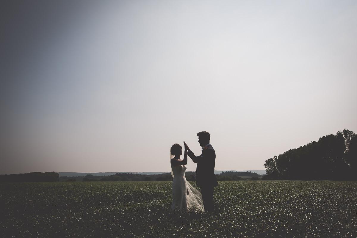 Grittenham Barn Wedding Photography | Hannah & Chris 35 Wedding cake 1