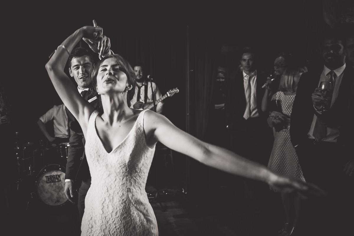 Grittenham Barn Wedding Photography | Hannah & Chris 64 guest cuddle 1