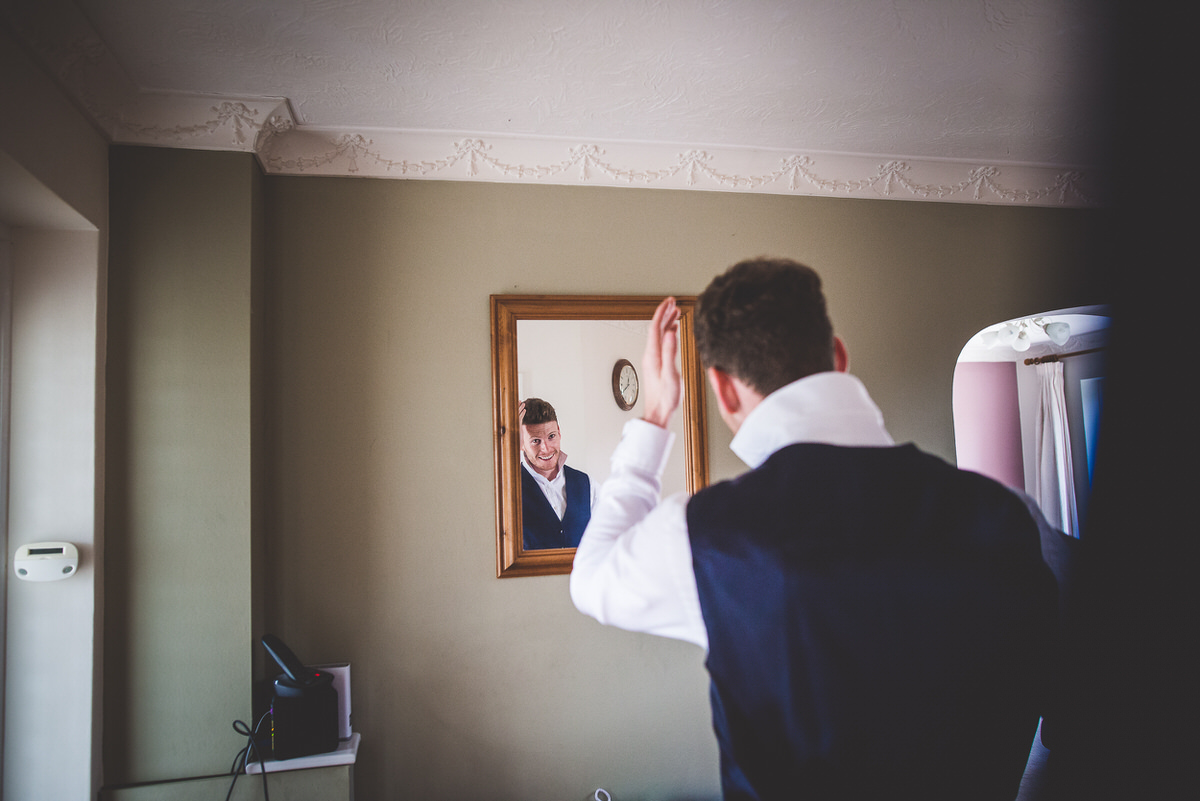 Groom mirror