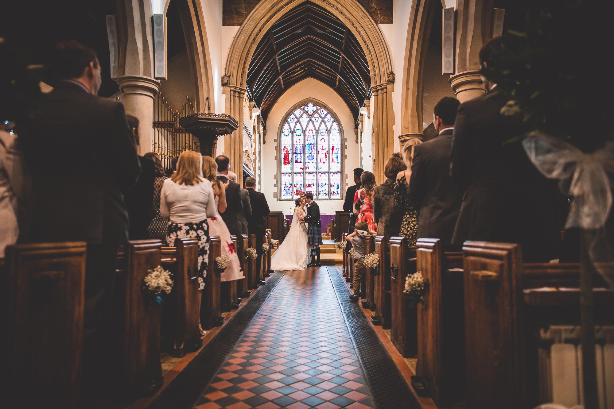 Hampton Court House Wedding Photography | Hannah & Ed HE108