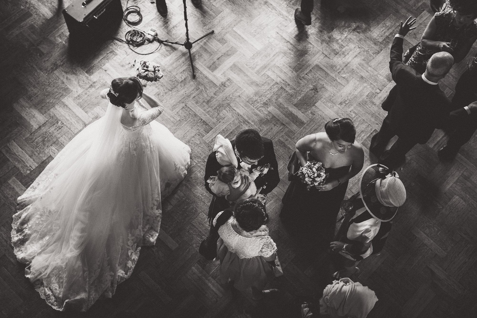 Hampton Court House Wedding Photography | Hannah & Ed HE170