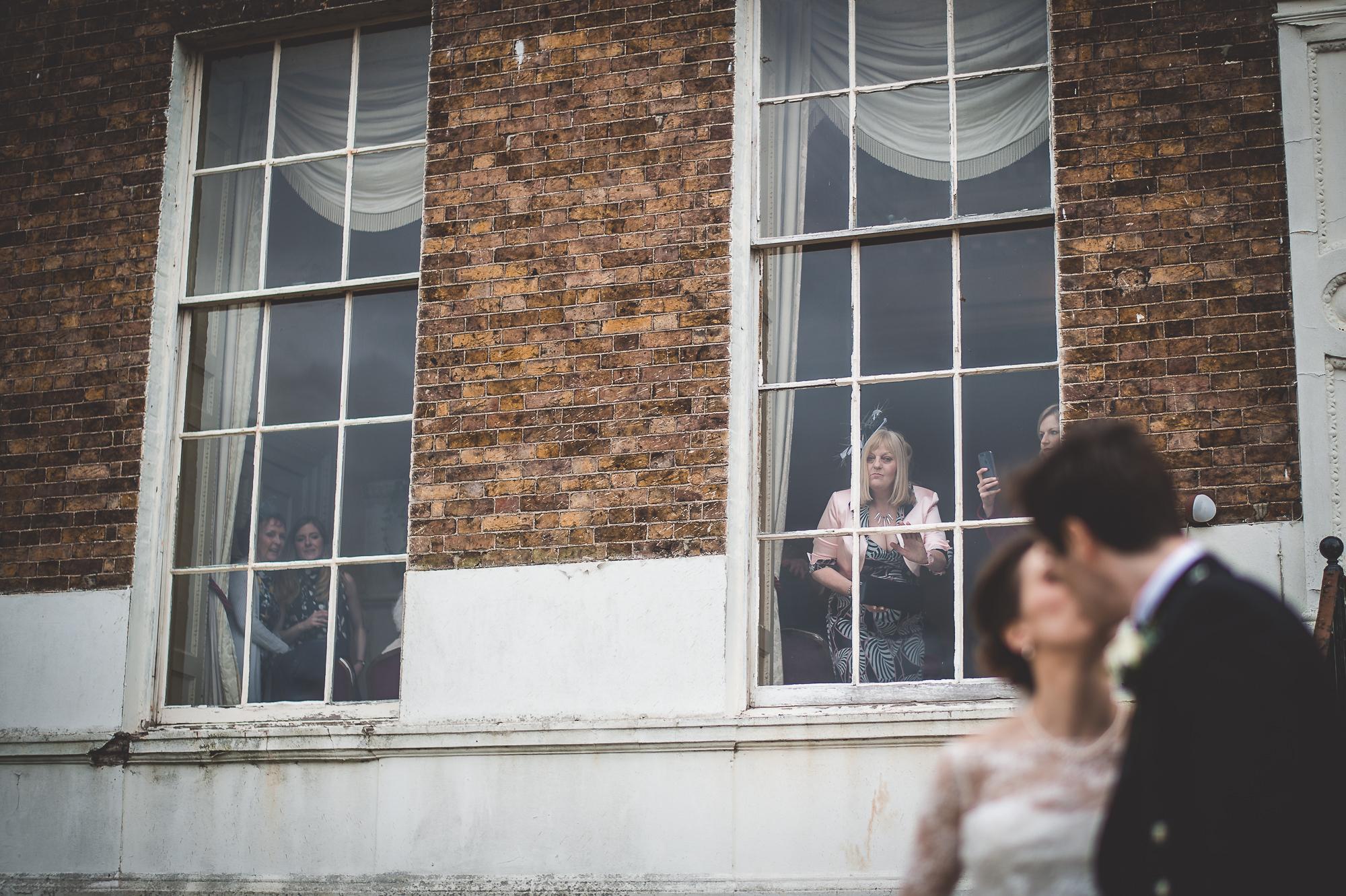 Hampton Court House Wedding Photography | Hannah & Ed HE183