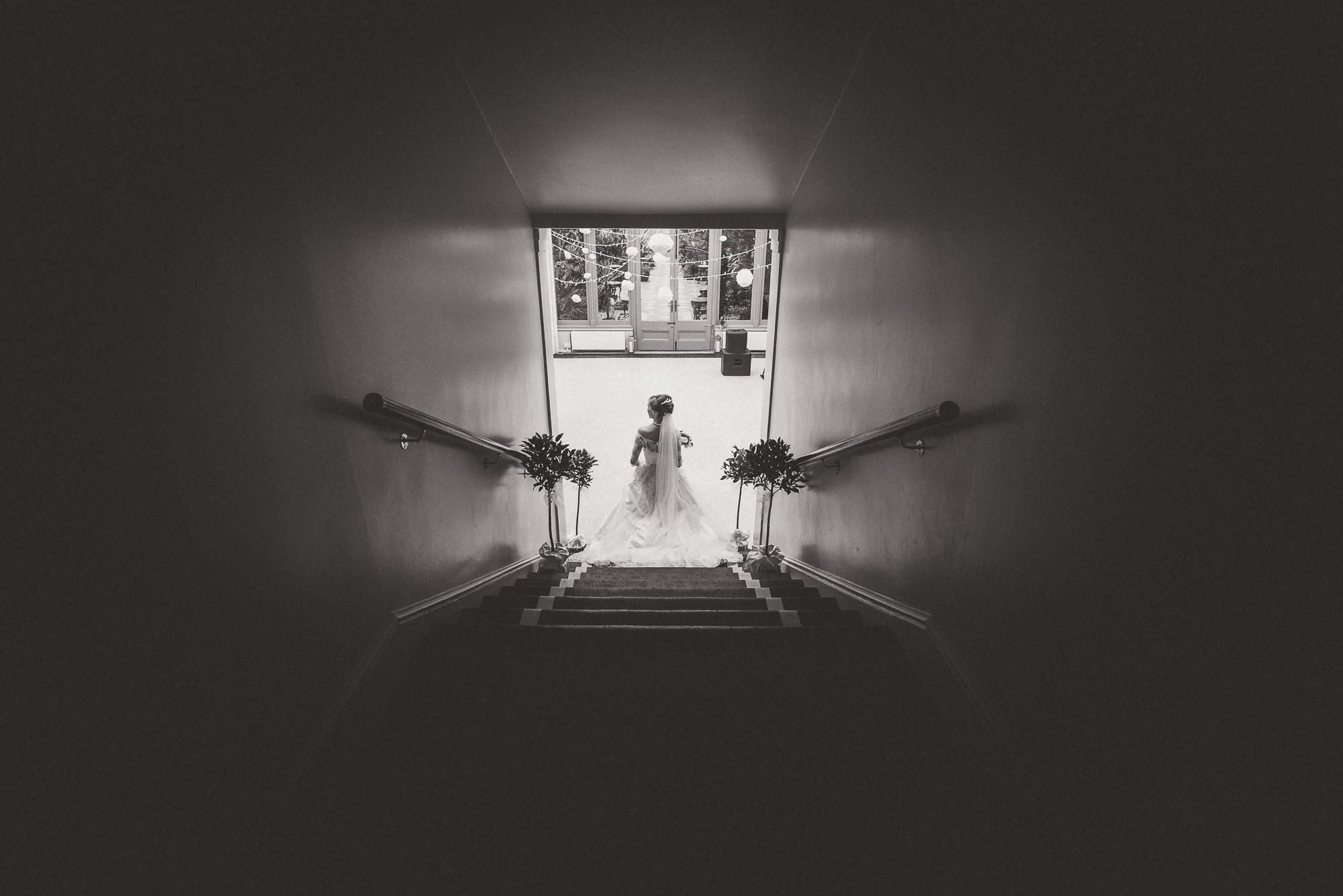 Hampton Court House Wedding Photography | Hannah & Ed HE198