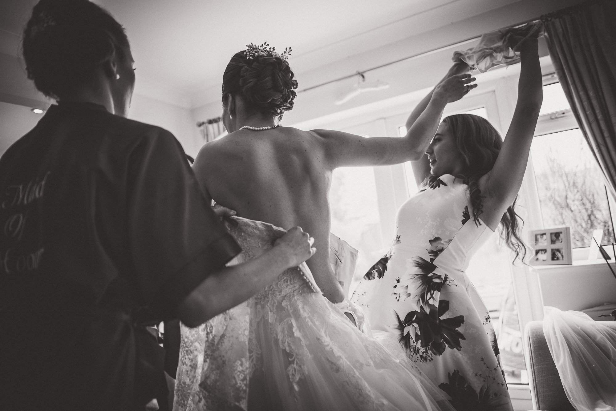 Hampton Court House Wedding Photography | Hannah & Ed HE23