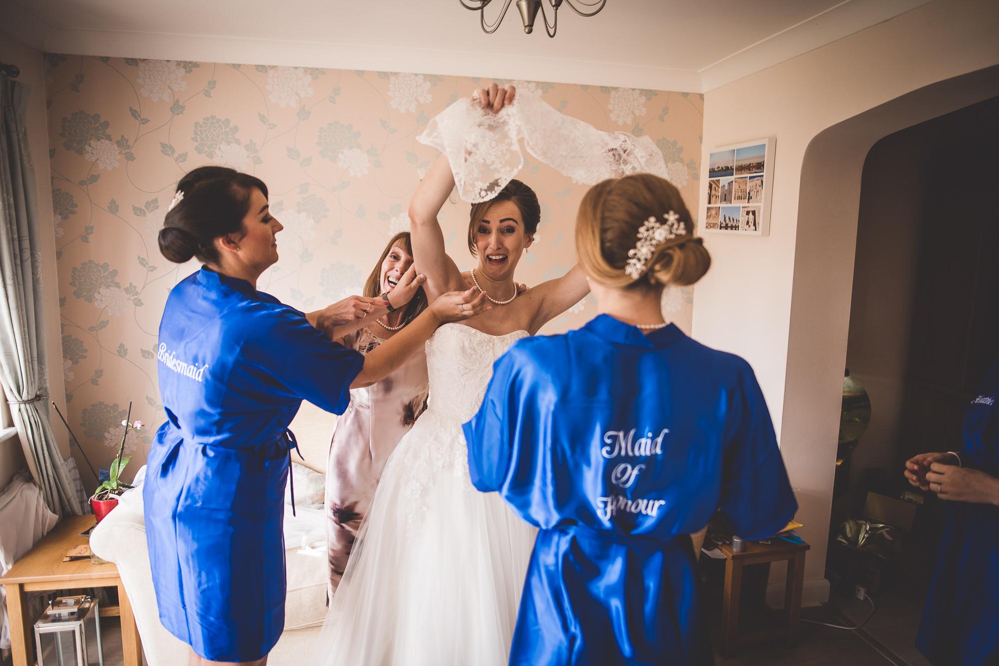 Hampton Court House Wedding Photography | Hannah & Ed HE29