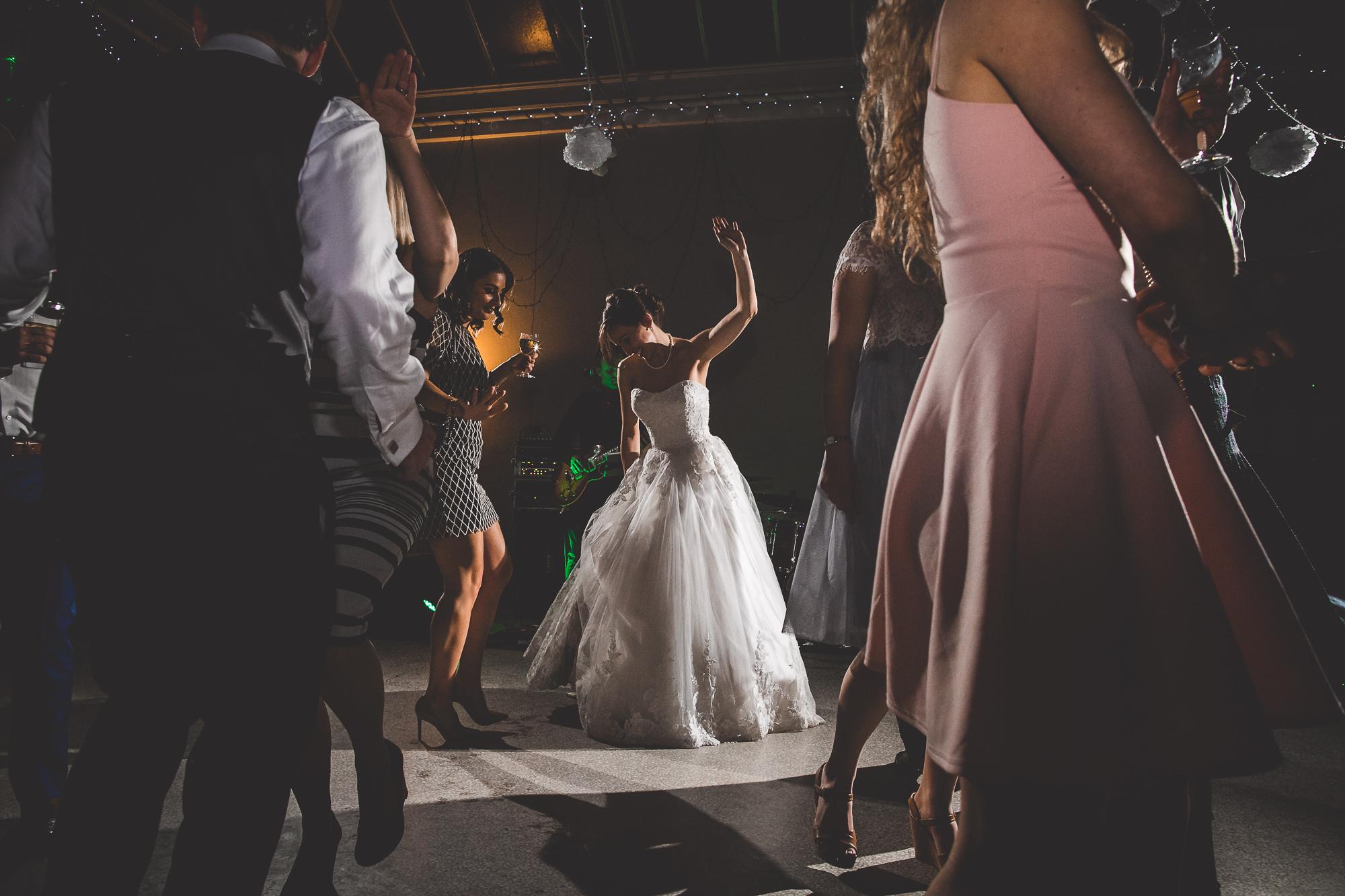 Hampton Court House Wedding Photography | Hannah & Ed HE301