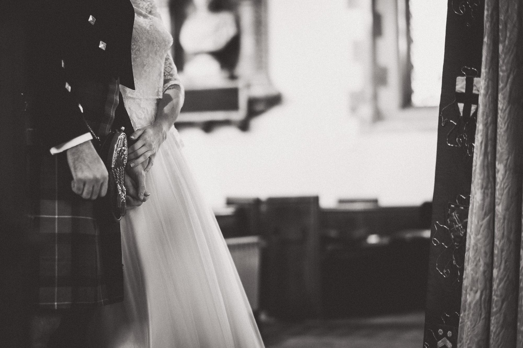 Hampton Court House Wedding Photography | Hannah & Ed HE91